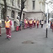 angajatii coni protesteaza in fata curtii de apel ploiesti