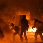 ucraina protestatarii anti-guvernamentali au capturat primariile din kiev si din alte 8 orase