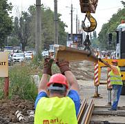 foto au venit primele sine de tramvai in nordul ploiestiului