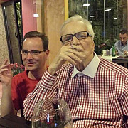 maestrul radu beligan nu renunta la tigara nici la 95 de ani