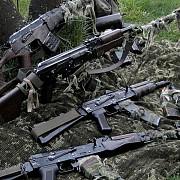 nato separatistii din ucraina primesc in continuare armament din rusia