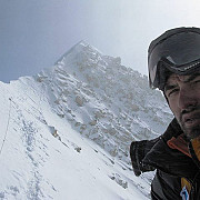 alex gavan alpinist roman a reusit sa urce broad peak 8047 de metri fara oxigen