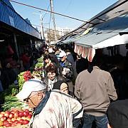 hale si piete preia ultimele spatii comerciale din piata 1 decembrie din sudul ploiestiului