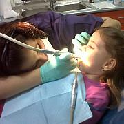 gratuit la dentist dar numai pentru anumite categorii de persoane
