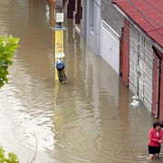 mai multe gospodarii si portiuni din dn 2 inundate in judetul buzau