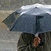 atentionare de cod galben de ploi pentru 16 judete din sudul tarii