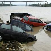 aproape 1000 de turisti romani prinsi de inundatii in bulgaria