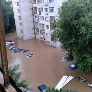 inundatii in bulgaria un autocar mai aduce in tara 29 turisti romani restul au optat sa ramana