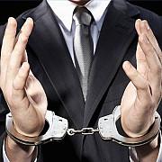 adjunctul inspectoratului scolar arad a fost retinut fiind suspectat de coruptie