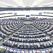 fiecare roman baga 310 euro in vistieria parlamentului european