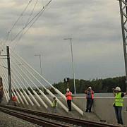 primul tren de calatori a traversat podul calafat-vidin