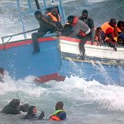 cel putin 14 persoane au murit intr-un naufragiu produs intre coastele libiei si cele ale italiei