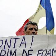 11 fosti angajati ai oltchim ramnicu valcea in greva foamei