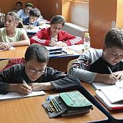 elevii claselor a iv-a incep miercuri evaluarea nationala