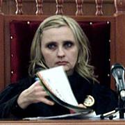 judecatoarele antonela costache si viorica dinu in arest la domiciliu