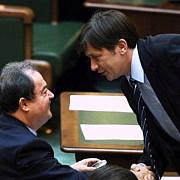 negocierile dintre liderii pnl si pdl au inceput la parlament