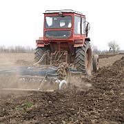 fermierii pot depune cereri pentru subventii pana la jumatatea lunii mai