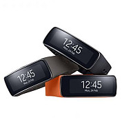samsung gear fit ia premiul best mobile device la mwc 2014