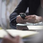 romanii vor plati mult mai putin pentru telefonia mobila
