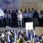 elena udrea protest in blugi si pe tocuri