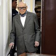 un fost demnitar comunist in varsta de 92 de ani judecat pentru crime de razboi