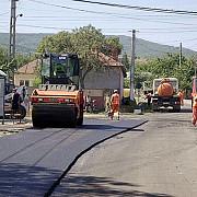 consiliul judetean a pregatit banii pentru plombarea drumurilor prahovene