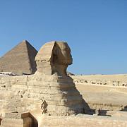 sfinxul si piramida lui mikerinos din egipt au fost restaurate
