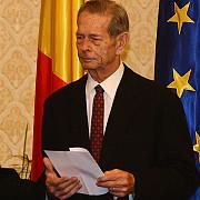 regele mihai i ofera un dineu oficial pentru 12 fosti sefi de stat