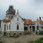 castel vechi de doua sute de ani din romania renovat complet