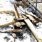 iarna se fura lemnele