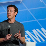 de ce poarta mark zuckerberg acelasi tricou in fiecare zi