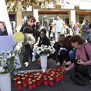 protest in negru la campina victimele accidentului de pe dn1 planse de un intreg oras