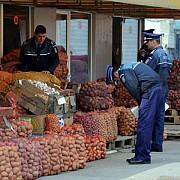 razie a politistilor de la fraude la centrele comerciale serpo si balif
