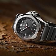 un ceas indestructibil de la victorinox
