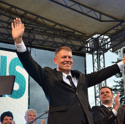 klaus iohannis fara prompter in campanie electorala in prahova