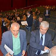 scandal la consiliul judetean pe tema distribuirii de fonduri catre localitati