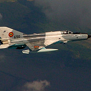 incident aviatic un mig 21 lancer romanesc si-a pierdut rezervoarele de combustibil