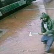 un fost militar american acum simpatizant isis a atacat patru politisti cu toporul