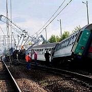 accident pe calea ferata trei vagoane ale unui tren interregio au deraiat