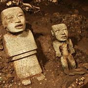 zeci de mii de artefacte descoperite intr-un tunel misterios vechi de aproape 2000 de ani