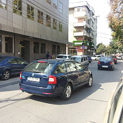 primaria ameninta cu blocarea masinilor pe strada basarabi