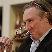 un actor celebru recunoaste pot bea si 14 sticle pe zi