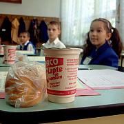 anul scolar a inceput laptele si cornul nu au aparut