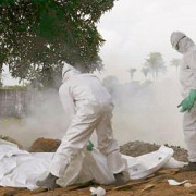 medici si jurnalisti ucisi in timpul unei campanii de informare in privinta virusului ebola