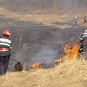 pompierii au inceput sezonul de stingere a incendiilor de vegetatie