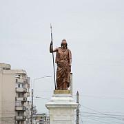 statuia libertatii din ploiesti nu mai poate fi mutata