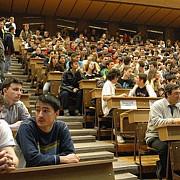 peste 100000 de studenti din romania vor primi bani pentru practica la companii