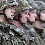 ministrul apararii germania nu este capabila sa-si indeplineasca angajamentele fata de nato