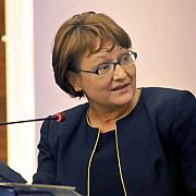 sefa cna acuzata de abuz in serviciu si de instigarea la fals in inscrisuri sub semnatura privata in forma continuata
