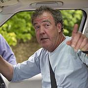 jeremy clarkson din nou la bbc va fi invitat in cadrul unei emisiuni de satira